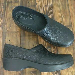 Abeo B.I.O black leather clogs size 8